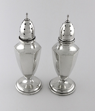 #91864 - Salt & Pepper Shakers by All Makers MUECK CARY #163 PANELED