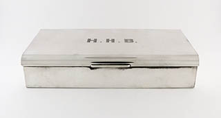 #92728 - Silver Boxes, All Silver by All Makers RAIMOND  RECTANGULAR BOX mono H.H.B
