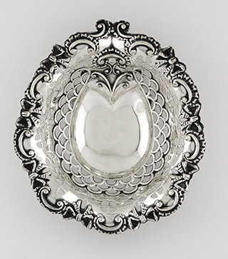#93057 - Bon Bons by All Makers BIRMINGHAM c.1896 ROUND PIERCED
