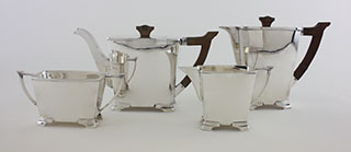 #91899 - 4-piece Tea & Coffee Sets by All Makers SHEFFIELD 4-PIECE Tea & Coffee Set c.1939 with Bakelite Handles