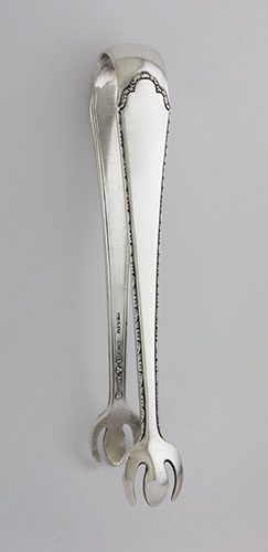 #8451 - William & Mary by Lunt SUGAR TONGS