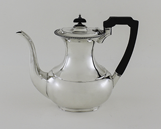 #85409 - 4-piece Tea & Coffee Sets by All Makers SHEFFIELD C.1952 GADROON BORDE
