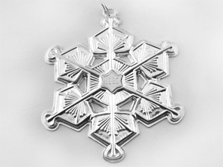 #8971 - Ornaments by Gorham 1987 SNOWFLAKE 18TH EDITION